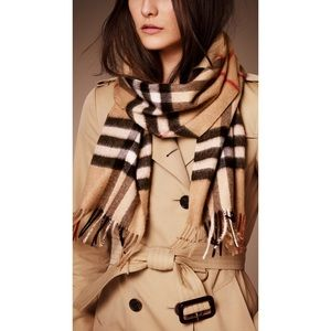 Burberry Giant Icon Cashmere Authentic Scarf